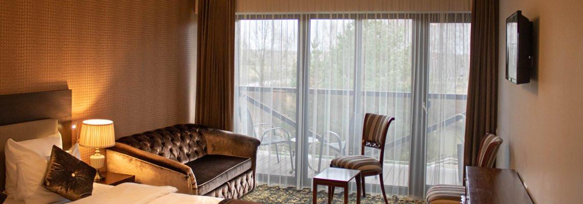 Ištaigingas dvivietis numeris su balkonu – terasa